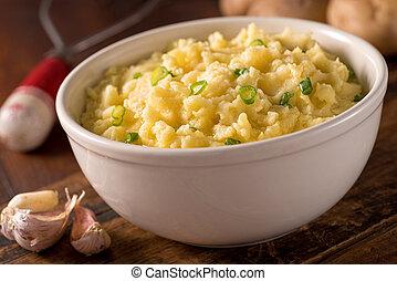 Garlic Mashed Potatoes - A bowl of delicious creamy garlic...