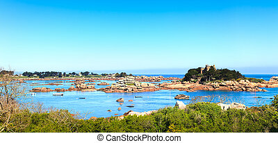 Ploumanach, rocks and bay beach in morning, Brittany,...