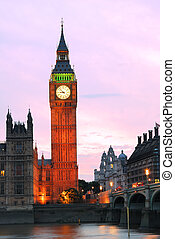 Big Ben clock tower in the evening with colorful sky