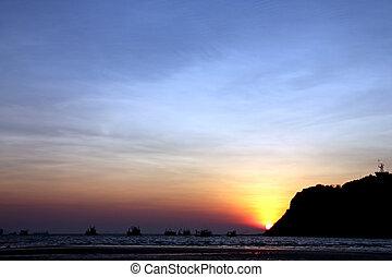 Silhouette Seaside in evening. - Silhouette Seaside in...