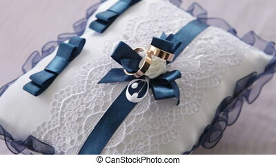 Wedding rings - Pillow for wedding rings