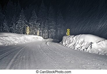 Winter Storm Colorado Road - Winter Storm Backcountry...