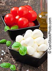 Mozzarella,tomatoes and fresh basil - Mozzarella, tomatoes...