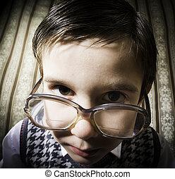 Årgång, Le, kläder, glasögon, barn