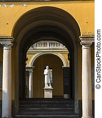 Pavia, court of the University - Pavia (Lombardy, Italy):...