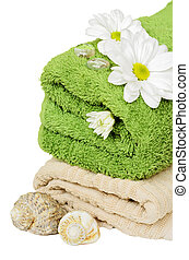 Towel and daisies for relaxation - Towel and daisies...