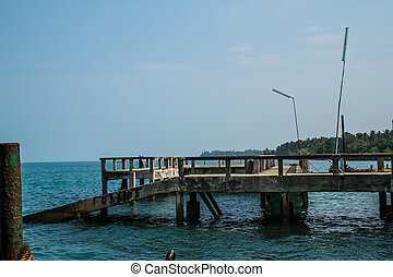 Koh Chang Ferry Pier