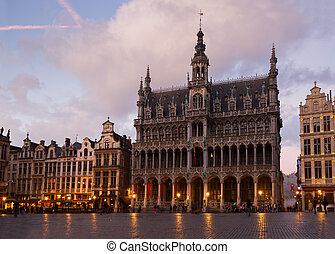 medieval Maison du Roi, Brussels - madieval Maison du Roi at...