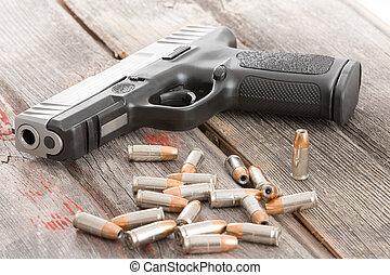 pistola, balas, acostado, de madera, tabla