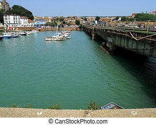 Bridge to the harbour