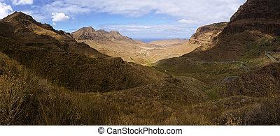 Vulcan Moutains Panorama - A dramatic vulcanic landscape...