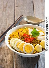 instant curry laksa noodle , singaporean style