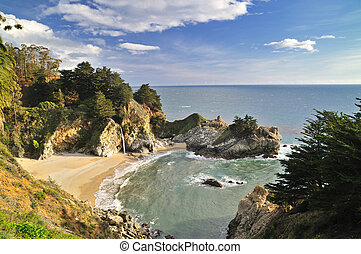 Big Sur Waterfall - McWay Falls, Big Sur, Julia Pfeiffer...