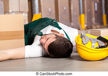 Accident in warehouse - Dangerous accident at work in...