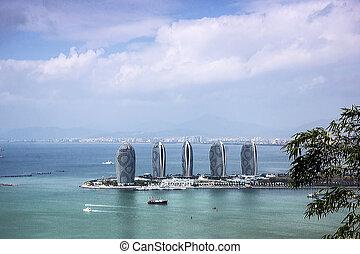 Landscape of Sanya Bay, Hainan Isla - Taken in Sanya City,...