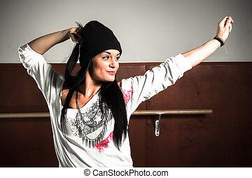 hip hop dancing girls