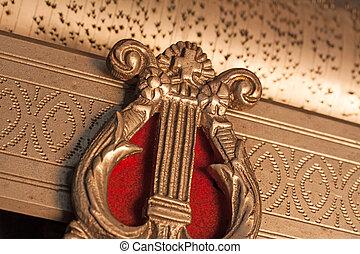 antique music box macro