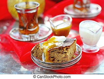 dates pudding with caramel sauce