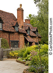 Stratford-upon-Avon - cottage home of William Shakespeares...
