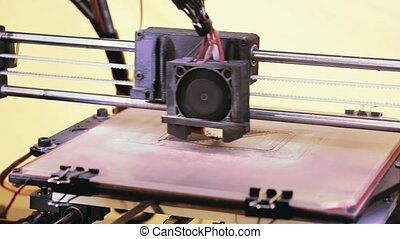 3D Printer - Printing with Plastic Wire Filament on 3D...