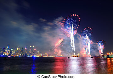 New York City fireworks - July 4th fireworks show of New...