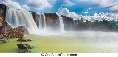 Dray Nur waterfall - Beautiful Dray Nur waterfall in...