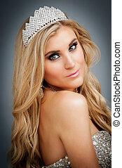 Portrait of Beauty Queen Wearing Tiara. - Woman wearing a...