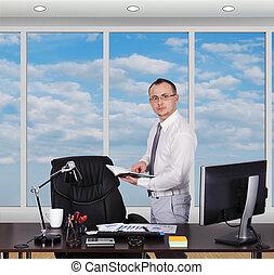 ficar, homem negócios, escritório