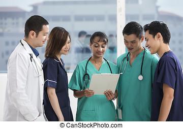 médico, equipe, multi-étnico, pessoal