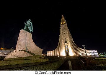Hallgrimskirkja Cathedral in Reykjavik , Iceland -...