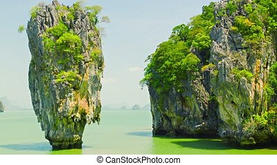 James Bond island (Ko Tapu), Phang Nga, Thailand - Video...
