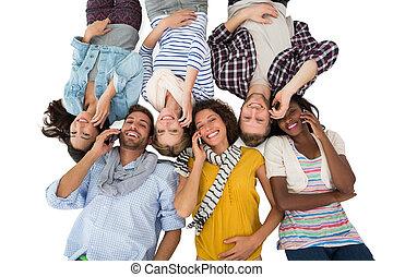 grupo, piso, teléfonos, su, amigos, acostado, feliz