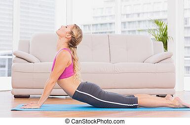 ataque, rubio, yoga, ejercicio, estera