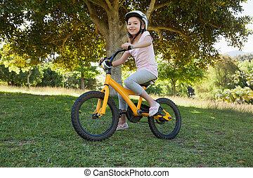 自転車, 公園, 若い, 乗馬, 微笑, 女の子