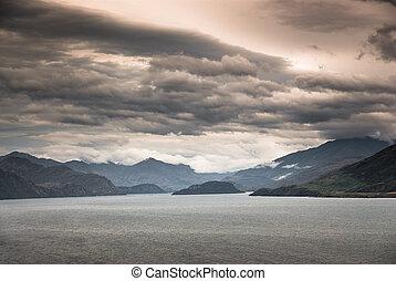lake wanaka - scenic view at lake wanaka at dusk with...