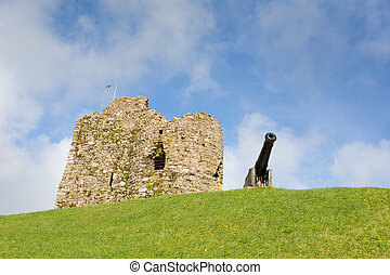 Ruins and cannon on Tenby Wales - Ruins and cannon on Tenby...
