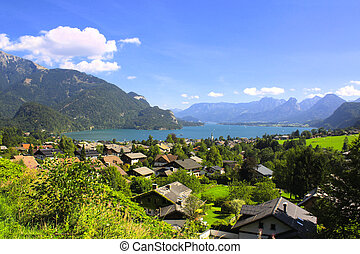 Wolfgangsee lake in Alps, Austria - View of the Wolfgangsee...