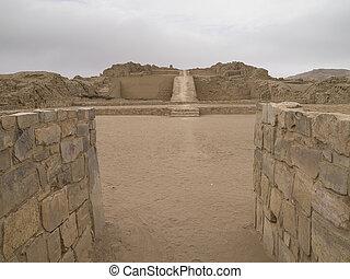 Piramide con Rampa, Peru.