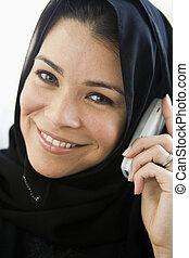 a, milieu, oriental, femme, conversation, cellphone