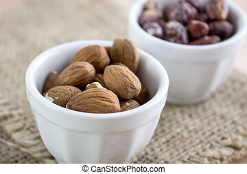 Almonds kernel in a bowl