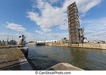 Van Cauwelaert lock in Antwerp
