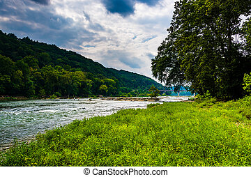 The Shenandoah River, in Harpers Ferry, West Virginia. - The...