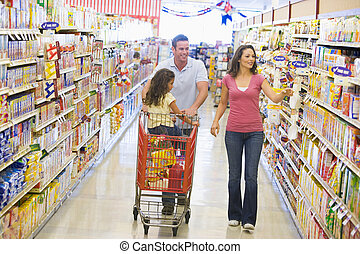 Family grocery shoppping - Family grocery shopping in...