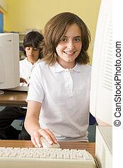colegiala, estudiar, frente, escuela, computadora