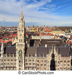 Munich, Gothic City Hall at Marienplatz, Bavaria, Germany