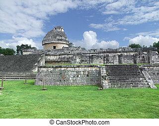 El Caracol observatory temple in Chichen Itza - El Caracol...