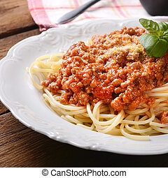 spaghetti - Tasty spaghetti with cheese and basil