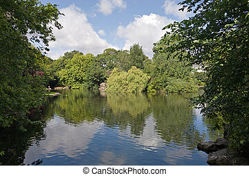 Pond in St. Stephen\'s Green - A view of the pond in St....