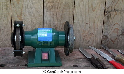 hand grinder knife - Hand turn on sharpen electricity...