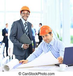 Arquitectos, trabajando, construcción, proyecto
